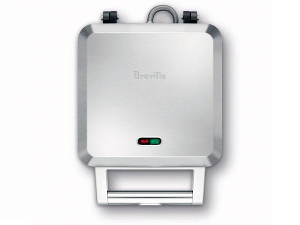 Breville_personal_pie_maker_closed-sixhundred