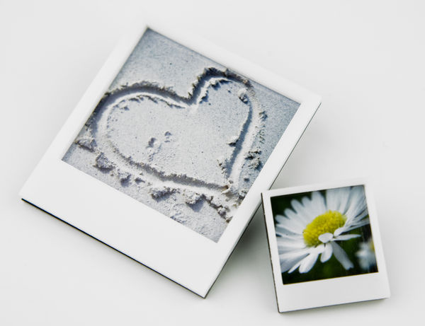 Instant_photo_frame_pins_15-sixhundred