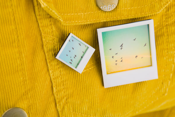 Instant_photo_frame_pins_5-sixhundred