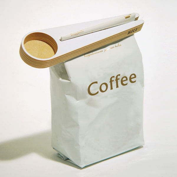 Kapu Coffee Scoop and Bag Closer on Wantist