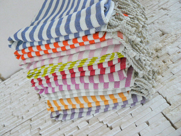 Handwoven_turkish_beach_or_bath_towel_10-sixhundred
