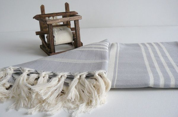 Handwoven_turkish_beach_or_bath_towel_5-sixhundred