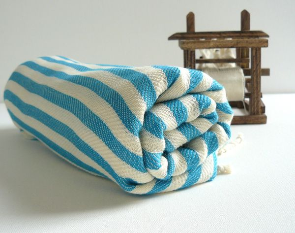 Handwoven_turkish_beach_or_bath_towel_7-sixhundred