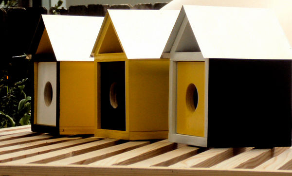 Trio_of_mid_century_modern_birdhouses_1-sixhundred