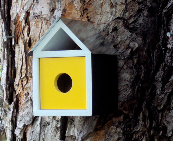 Trio_of_mid_century_modern_birdhouses_2-sixhundred