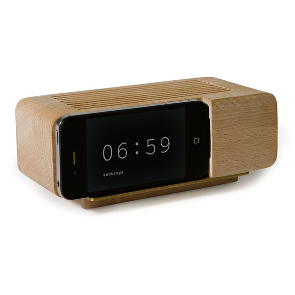 iPhone Alarm Dock by Jonas Damon on Wantist