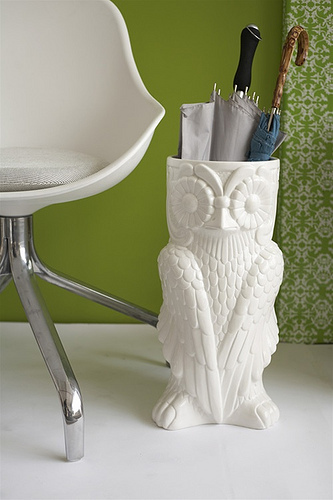 Ceramic Owl Umbrella Stand with green background
