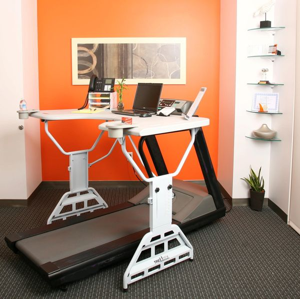 Trekdesk_treadmill_desk_10-sixhundred