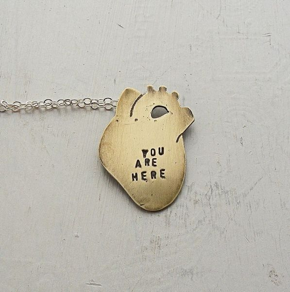 You_are_here_anatomical_heart_necklace_3-sixhundred