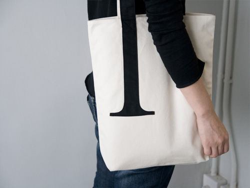 Serif_tote_bag_1-sixhundred