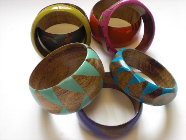 Stained_wood_bangles_by_voz_3-sixhundred