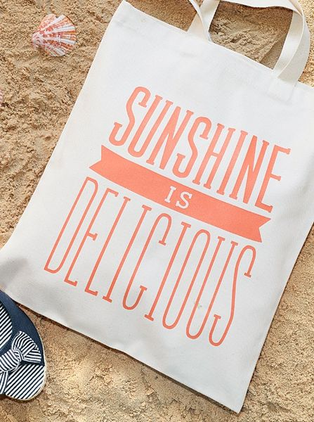 Fun_in_the_sun_tote_bag_1-sixhundred