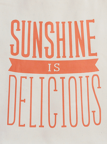 Sunshine_is_delicious_tote_bag_5-sixhundred