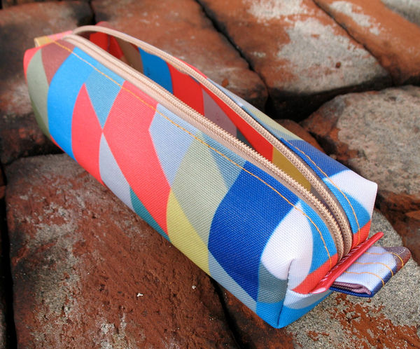 Zippered_pencil_pouch_by_tinymeat_3-sixhundred