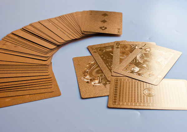 Gold_playing_cards_10-sixhundred